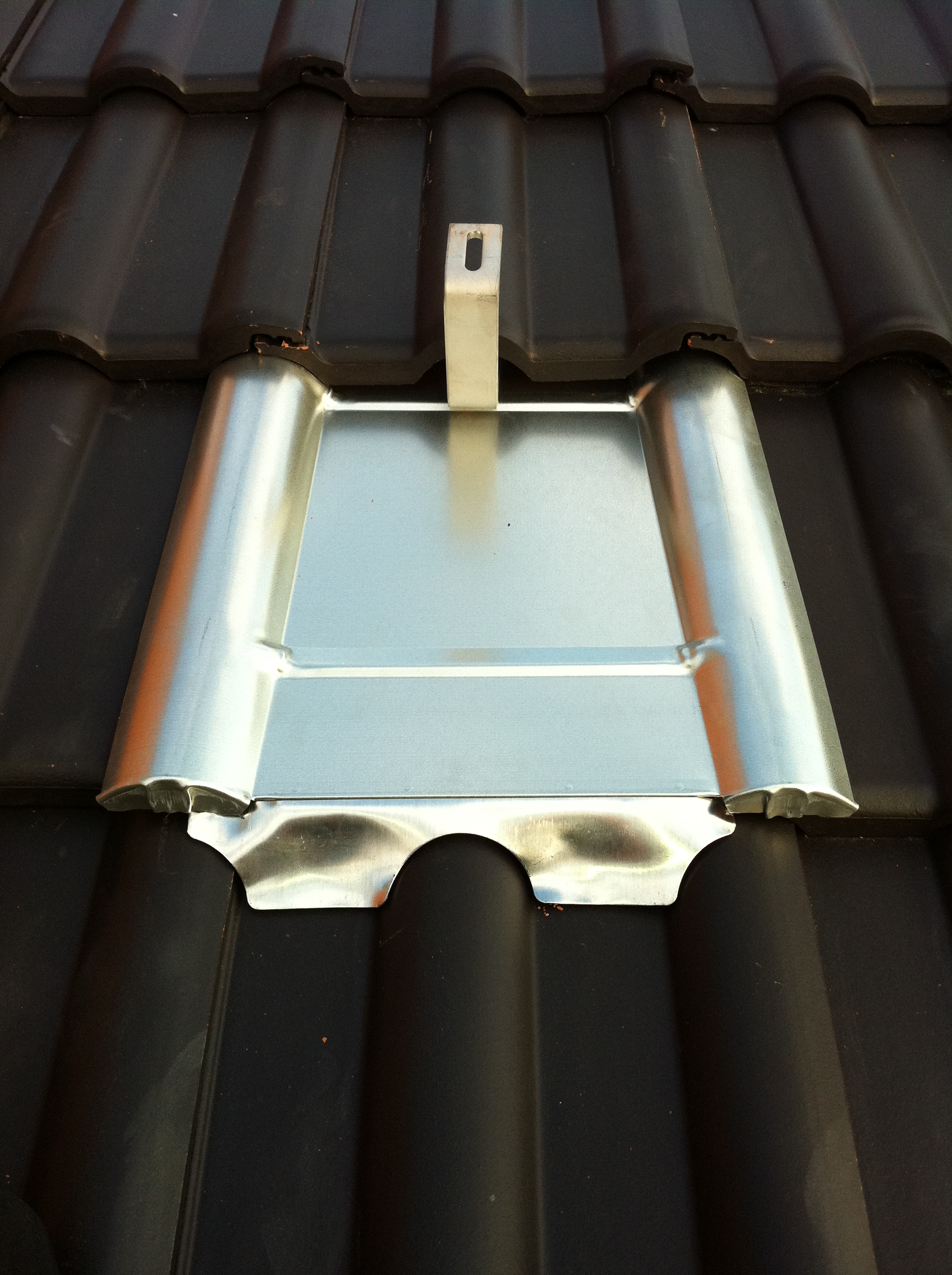 Metalldachplatte